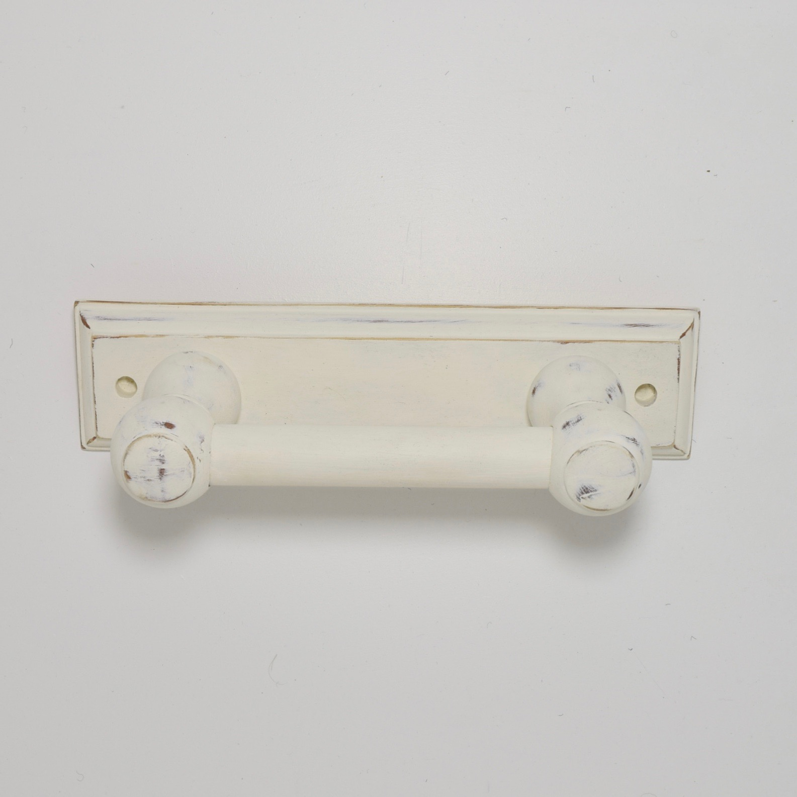 upcycled-toiletrollholder- shabby-chic-3